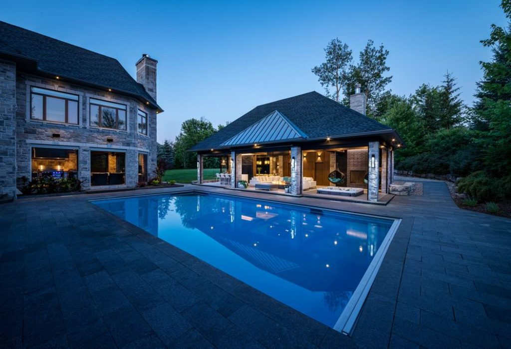 2019 Housing Design Awards Ottawa design awards Brenmar Construction Ottawa backyards outdoor living space pool