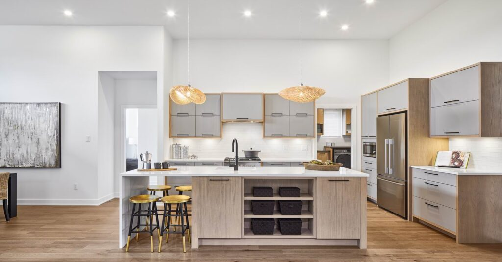 two-tone kitchen eQ Homes eQuinelle
