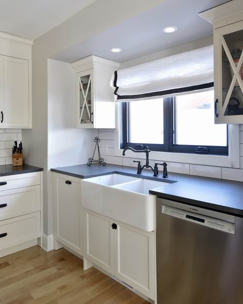 apron sink farmhouse style Ottawa kitchens Amsted Design-Build Deslaurier Custom Cabinets