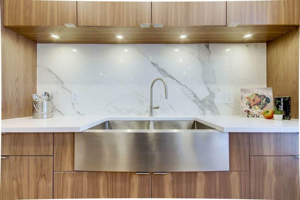 apron sinks farmhouse style Neoteric Developments Ottawa kitchens Neoteric Developments