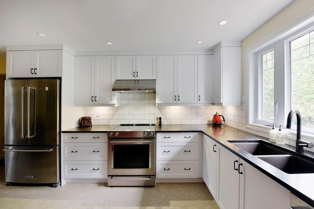 kitchen countertops Amsted Design-Build Ottawa kitchens honed granite